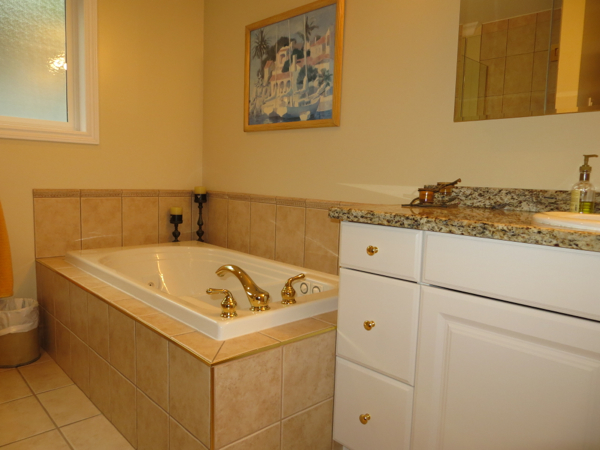 Bathroom  Lombardy Bay  Summerland