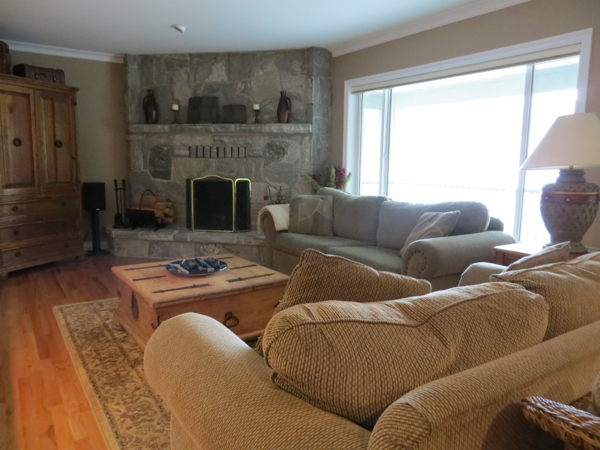 UPstairs Living Room Beach Home Summerland