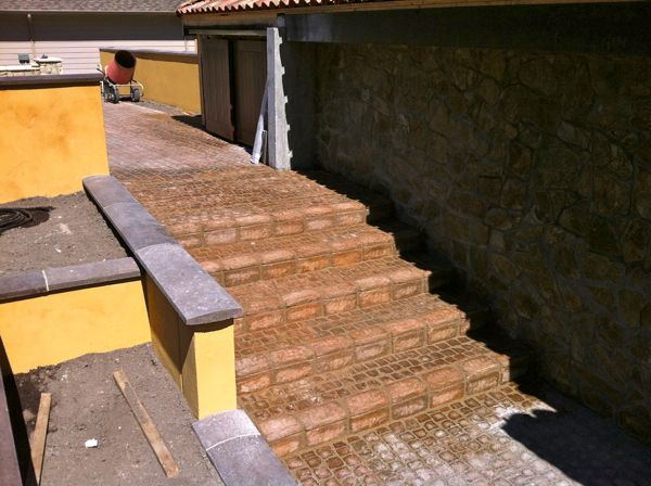 Cobble stone steps Remco Stucco & Stone Ltd.